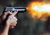 Kardeşini ve yeğenini silahla vurdu
