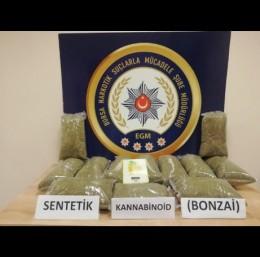 Narkotik köpeği 11 kilo uyuşturucuyu böyle buldu