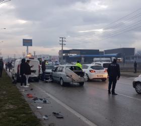 Ankara yolunda 11 aracın karıştığı zincirleme kaza