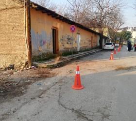 İnegöl'de metruk binaların yıkımı devam ediyor