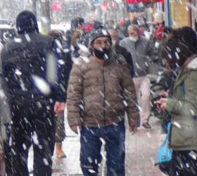 İnegöl'de lapa lapa kar yağdı