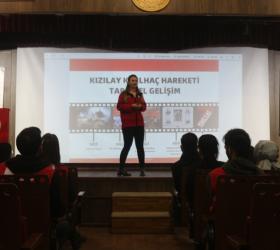 Genç Kızılay gönüllülerine eğitim verildi