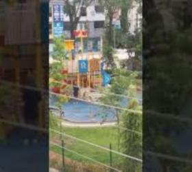 Çocuklar olmayınca parklar onlara kaldı