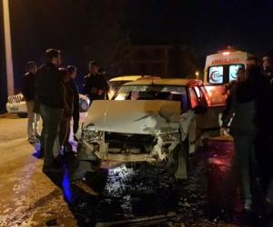Alanyurt yolunda polis aracı kaza yaptı