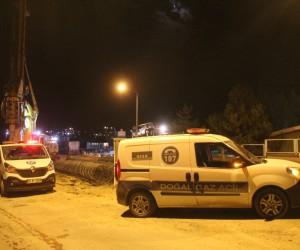 Sivas'ta kazı çalışmasında delinen doğalgaz borusu paniğe neden oldu