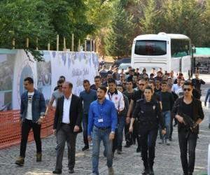 Polis Okulu öğrencilerinden Şeyh Edebali Türbesi ve Osmanlı Padişahları Tarih Şeridini'ne ziyaret