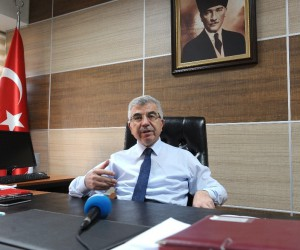 (Özel haber) Uludağ Üniversitesi Uluslararası İlişkiler Bölüm Başkanı Prof. Dr. Tayyar Arı: