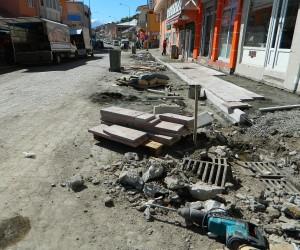 Posof'ta cadde ve kaldırımlar yeniden düzenleniyor