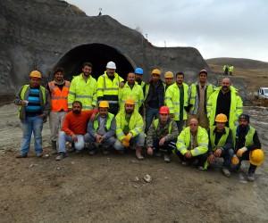 Posof Ulgar Dağı Tüneli'nde çalışmalar yoğunlaştı
