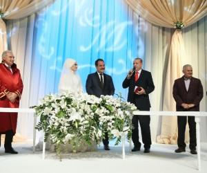 Cumhurbaşkanı Erdoğan ve Başbakan Yıldırım Metin Kaptanoğlu'nun nikah şahidi oldu