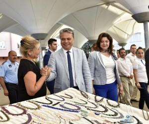 Muratpaşa'da 'El İzi Pazarı Şenliği' düzenlendi