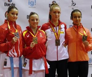Düzce Belediye Spor sporcusu Dilara Bozan karatede Dünya 2. si oldu