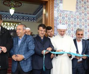 Mahmud Esat Coşan Camii ibadete açıldı