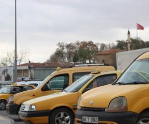 Kırşehir ve Nevşehir'deki taksiciler benzin ve motorine yapılan zamma tepkili
