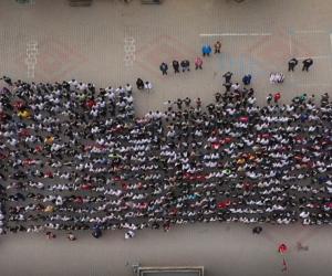 1380 öğrenciden Mehmetçiğimize asker selamı