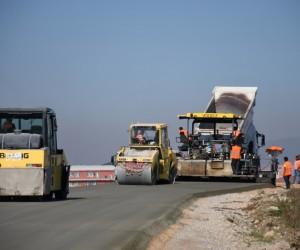 İnegöl'de beton yol ile %40 tasarruf sağlandı
