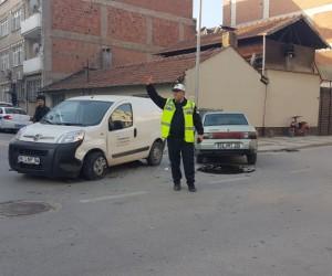 Altay Caddesinde 3 Aracın Karıştığı Kazada 1 Kişi Yaralandı