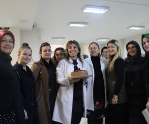 AK Partili Kolları Başkanı Esra Leblebici'den öğretmenler günü açıklaması
