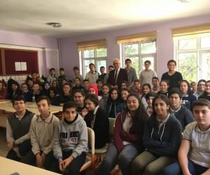Eğitimci yazar Muzaffer Tekelioğlu, Kariyer Günlerinde öğrencilerle buluştu