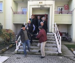 Gazeteci Sırrı Şanlı evinin merdivenlerinde ölü bulundu