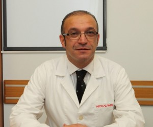 Şiddetli baş ağrısı şikayetiyle hastaneye kaldırılan doktor hayatını kaybetti