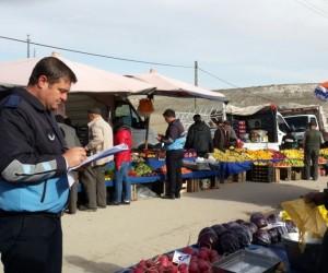 Kırka pazarı Şehit Halil Kara caddesinde kuruldu