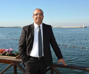 Op. Dr. Kenan Kalı'dan İzmirliler'e konut uyarısı
