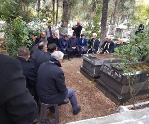 Bedri İncetahtacı mezarı başında anıldı