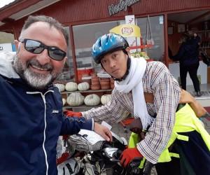Japon turiste hamsi yedirebilmek için kilometrelerce yol kat etti