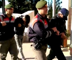Jandarma iki olayı birden çözdü, 4 hırsızlık zanlısını yakaladı