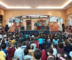 Çocuklar 'Rafadan Tayfa' ile doyasıya eğlendi