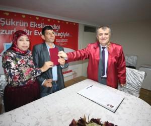 Dolandırıldığını iddia eden Faslı gelin ile Türk damat üç ay gecikmeli evlendi