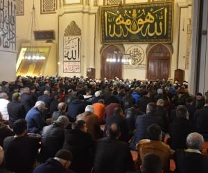 Mevlit Kandili'nde Bursa'daki camiler doldu taştı