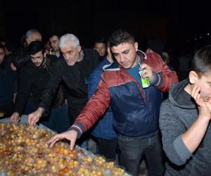 Aksaray Belediyesi Mevlit Kandilinde lokma tatlısı ikram etti