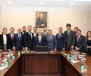 İGİAD Başkanı  Özdemir, KDV oranlarının adaletsizliğini Bakan Ağbal'a aktardı
