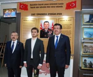 Bakan Zeybekci, Şehit General Aydoğan Aydın'ı anma programına katıldı