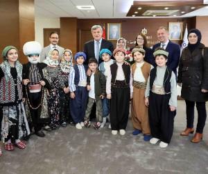 Başkan Karaosmanoğlu, Gebze Emlak Konutları İlkokulu öğrencilerini ağırladı