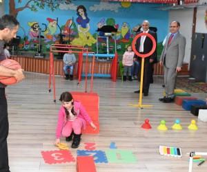 Ali Korkut, Erzurum Özel Eğitim Uygulama Merkezini ziyaret etti