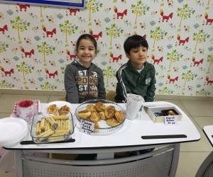 Çamlıca Okulları öğrencileri somutlaştırarak öğreniyor