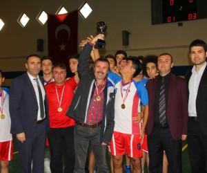 Futsalda şampiyon Eyüp Aygar Fen Lisesi
