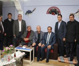"""Başkan Karaosmanoğlu: """"Kutsallarımıza saldıranlara gereken cevabı vereceğiz"""""""