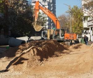 Esentepe Caddesinde altyapı yeniliyor