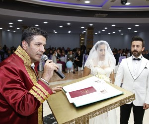 Döşemealtı Belediyesi bu yıl 372 çifte nikah kıydı
