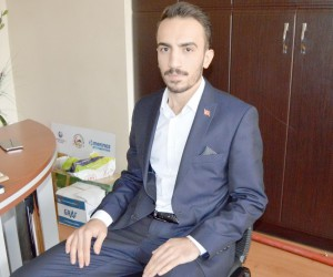 AK Parti Besni Gençlik Kolları Başkanı Ferhat Öztürk oldu