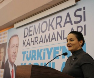 Manavgat AK Parti Kadın Kolları'nda Şeyda Ünal Karakaya güven tazeledi