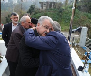 Kayseri'de şehit olan Rizeli Uğur Korkmaz'ın kabri başında Kur'an-ı Kerim okundu