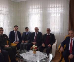 """Vali İpek: """"Şehit ailelerinin her zaman yanındayız"""""""
