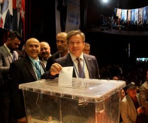 Fethiye AK Parti'de Kadir Sarıhan güven tazeledi