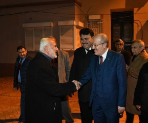 Başkan Zekai Kafaoğlu sabah namazı sonrası esnaf ile selamlaştı