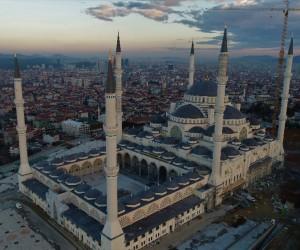 (Özel) Yüzde 90'lık kısmı biten Çamlıca Camii havadan görüntülendi
